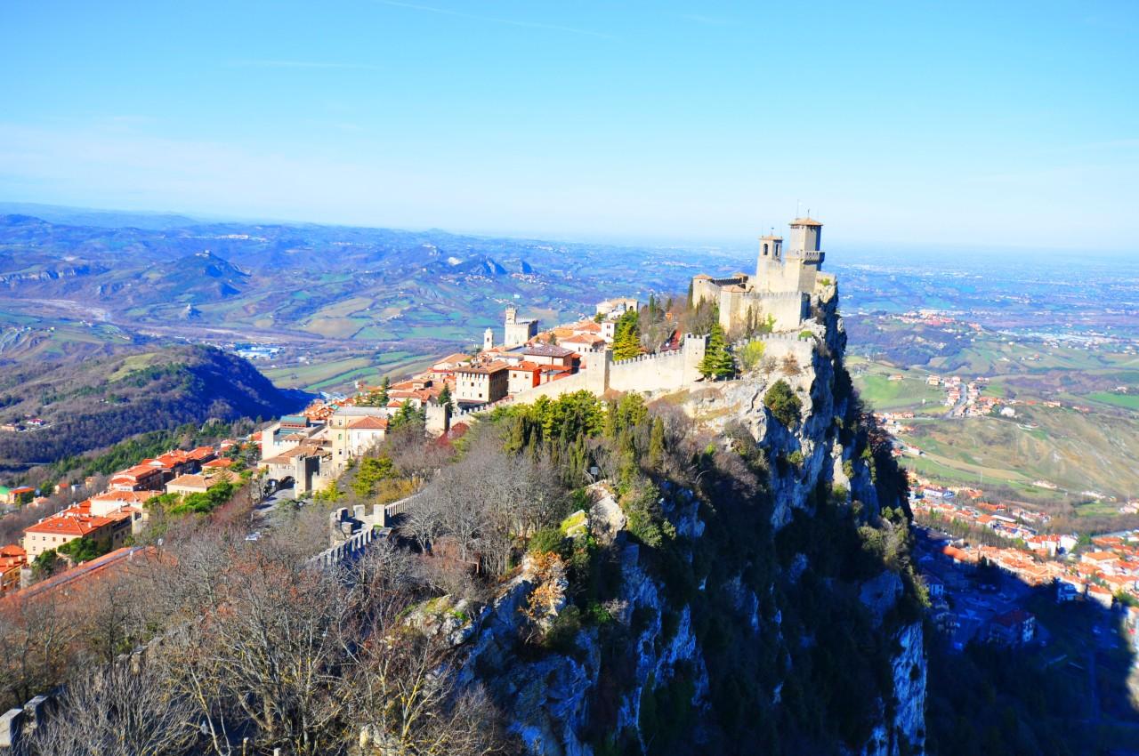 Itinerario da Rimini a San Marino, attraverso le colline dellaValmarecchia