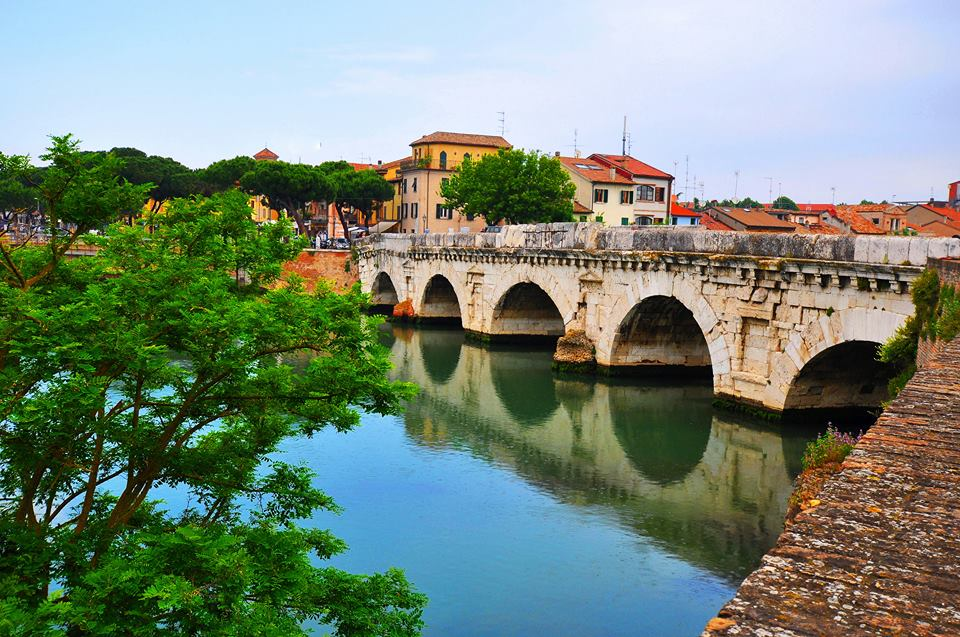 Rimini, Ponte diTiberio