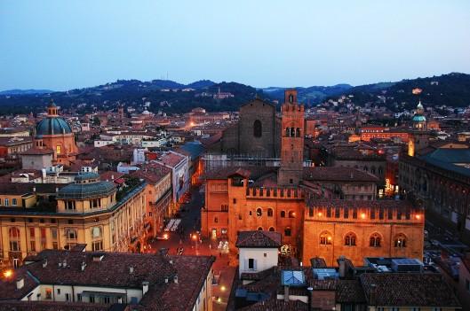 Palazzo Re Enzo, Torre dell'Arengo e San Petronio dalla Torre Campanaria