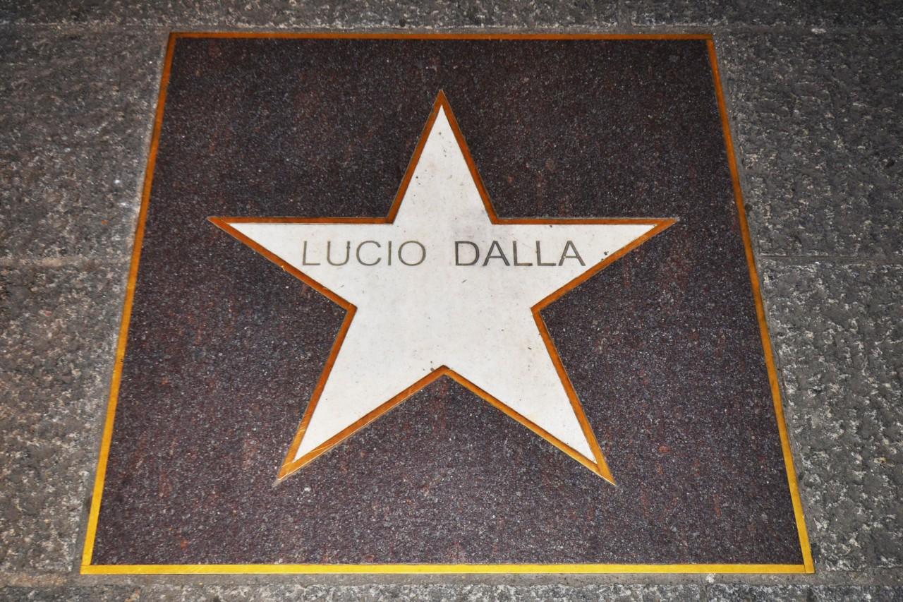 """La Stella sulla """"Strada del Jazz"""" (Via Orefici)"""