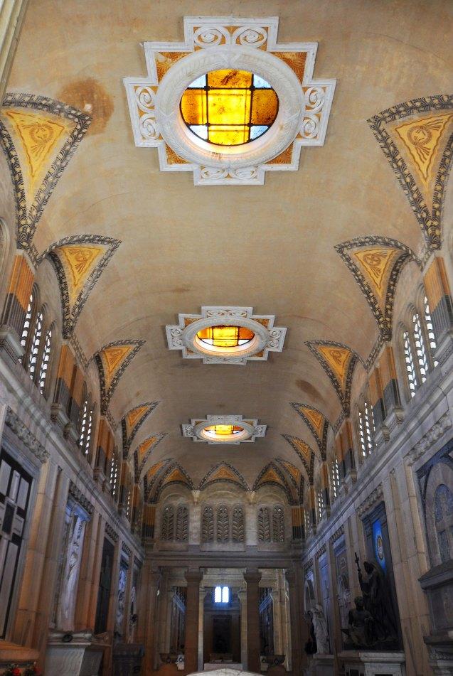 Galleria del Chiostro IX. Ampliamento della Certosa a est, verso la città. Un tratto di portico la unisce al Colle di San Luca e al centro storico.