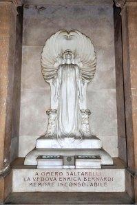 Chiostro VI. Tomba Saltarelli. Splendido esempio Liberty di Giuseppe Romagnoli.