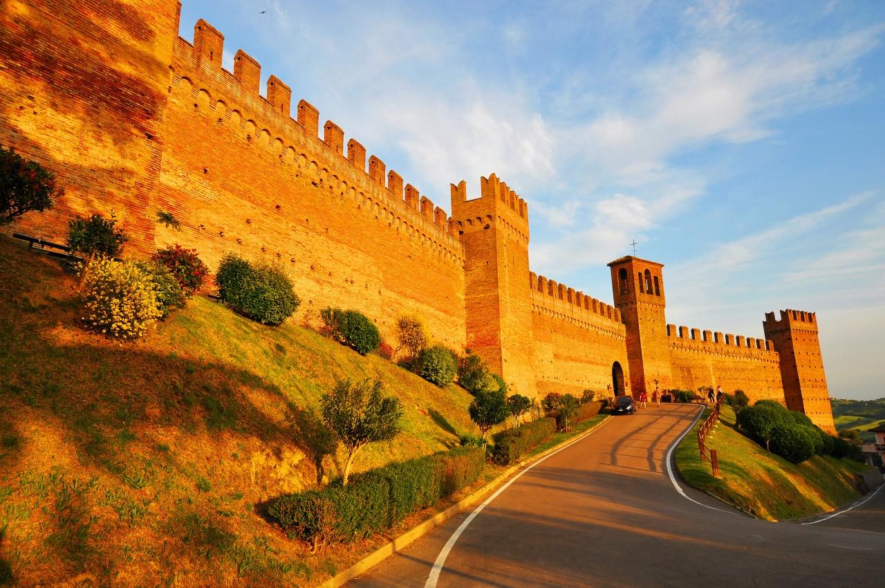 Itinerario da Riccione a Gradara, attraverso le colline dellaValconca