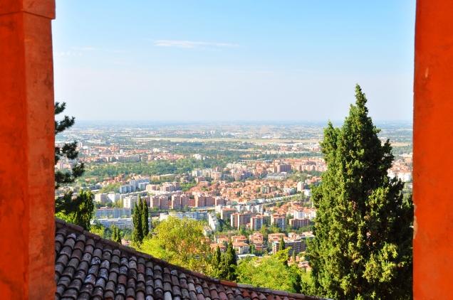 Veduta a nord della città dal santuario.
