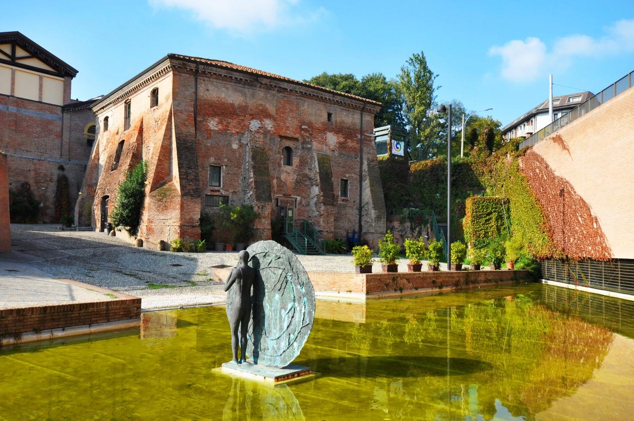 Parco del Cavaticcio (antico porto): Salara e scultura di Mimmo Paladino