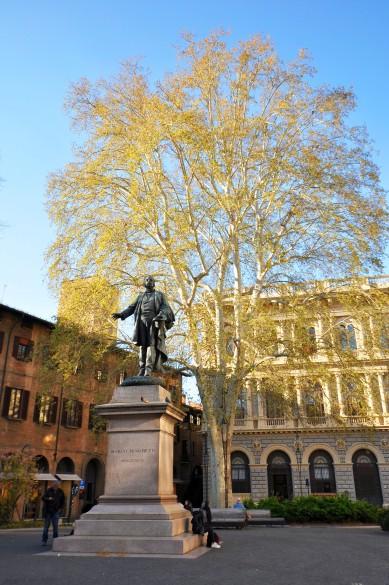Statua di Minghetti