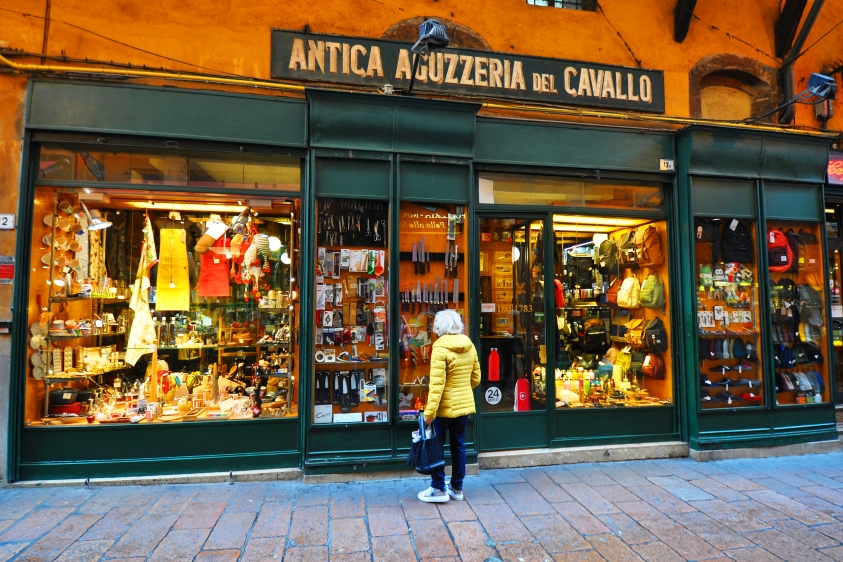 Via Drapperie-Antica Aguzzeria del Cavallo (coltelli, forbici e altri utensili) dal 1783