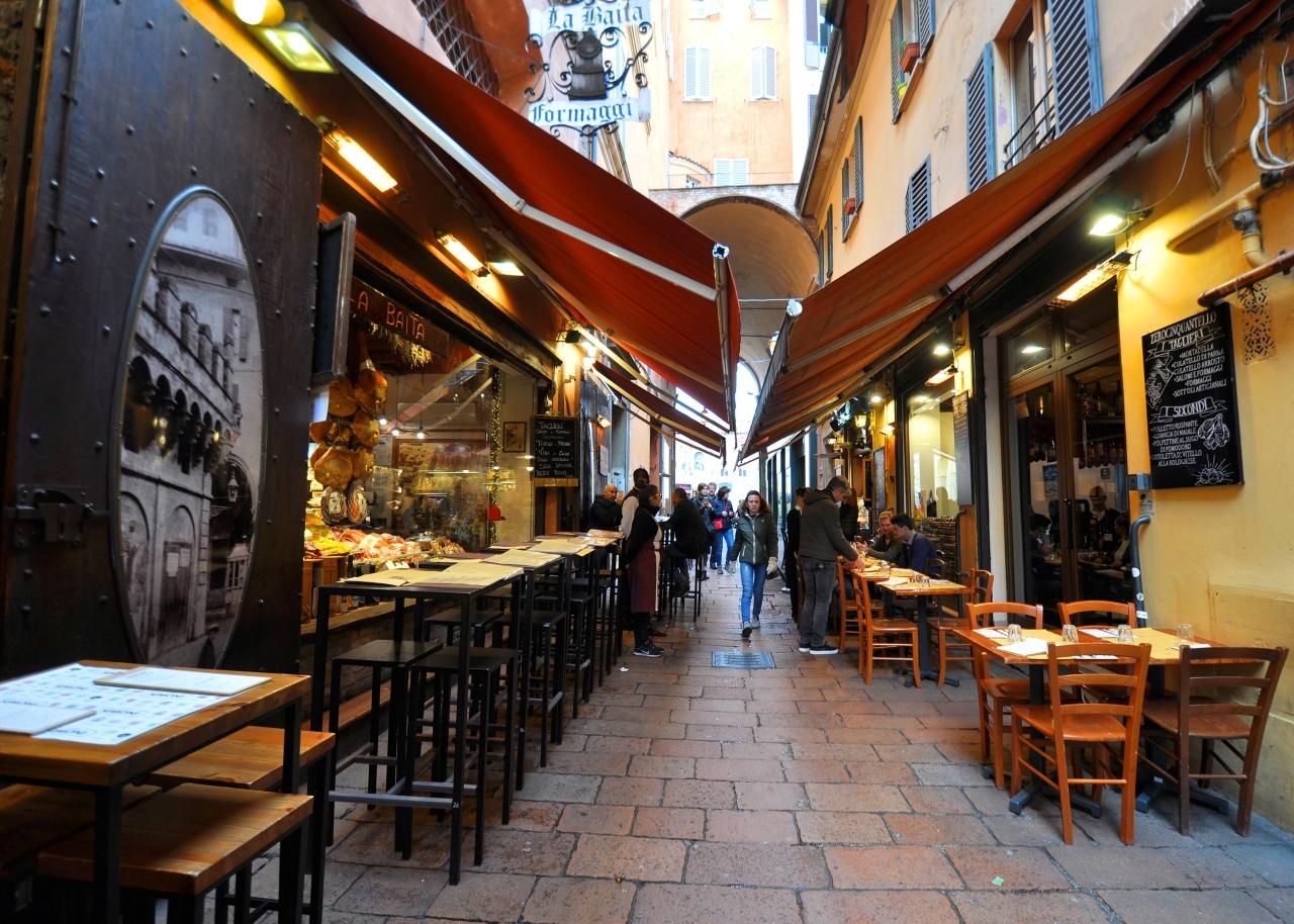 Bologna centro storico – Itinerario nel Quadrilatero, tra botteghe storiche e luoghid'arte