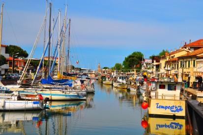 Il porto canale e il borgo marinaro