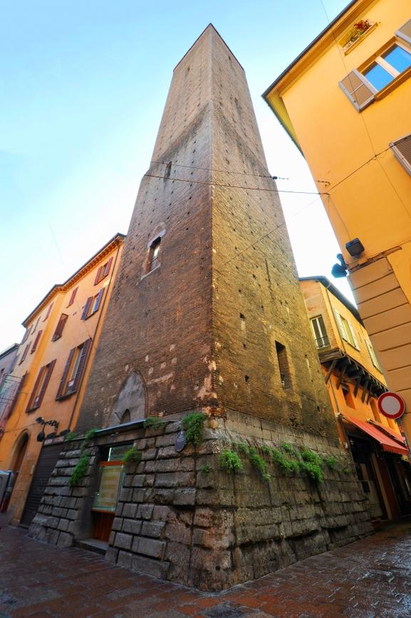 Torre Altabella, via Altabella 15 ^