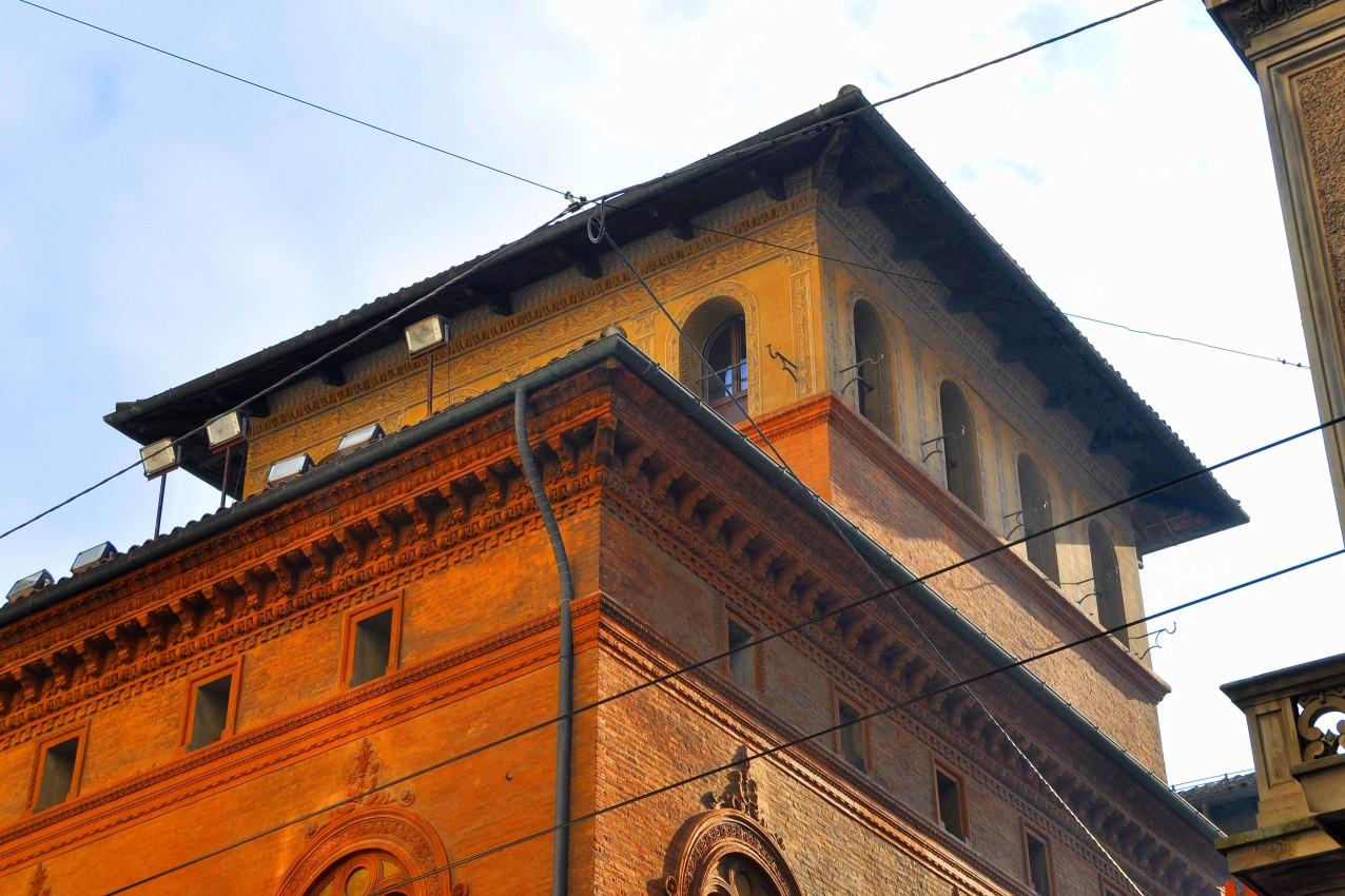 Torre Bertolotti, via Farini 15