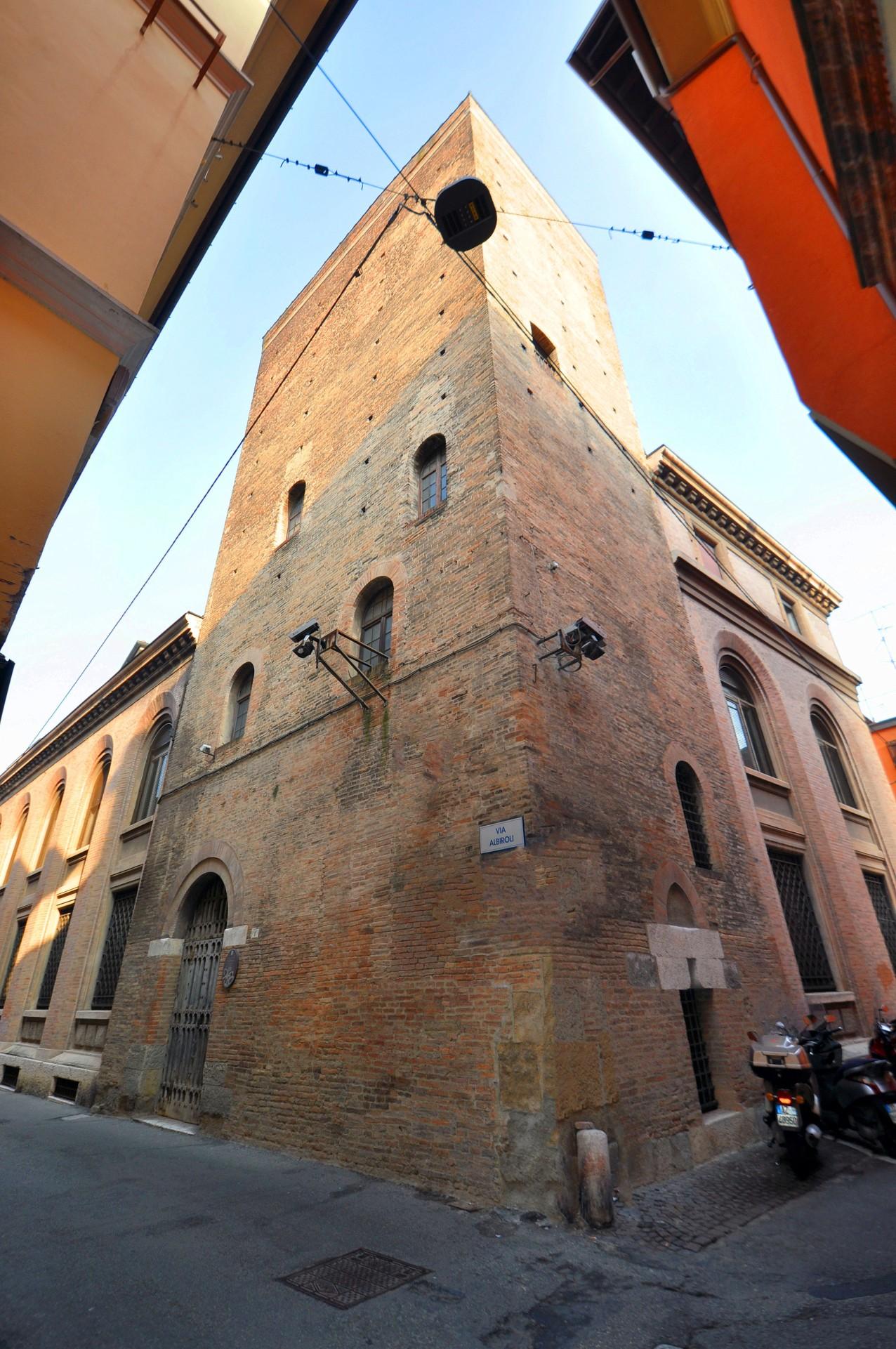 Torre Guidozagni, via Albiroli 1