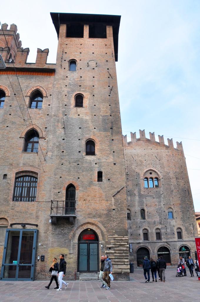 Torre Lambertini, Pal. Re Enzo ^