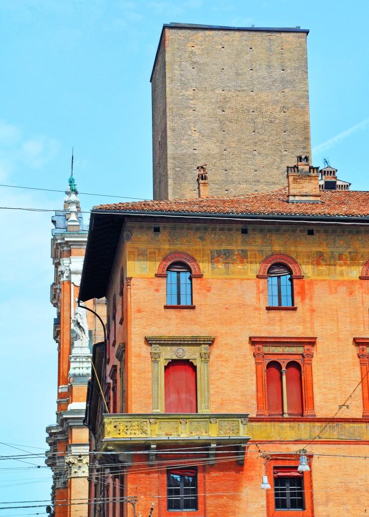 Torre Scappi, via Indipendenza 3
