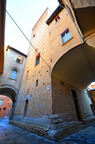 Tra vicolo Tubertini, Mandria e San Giobbe.