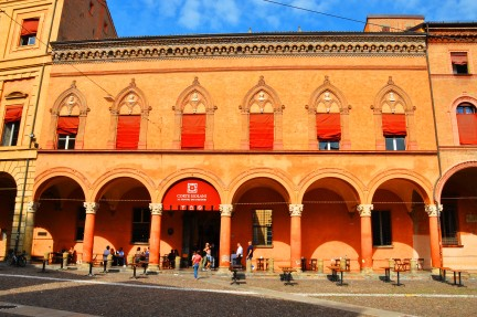 Palazzo Isolani (XV sec.)